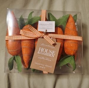 Farmhouse House & Garden Collection Burlap Carrots